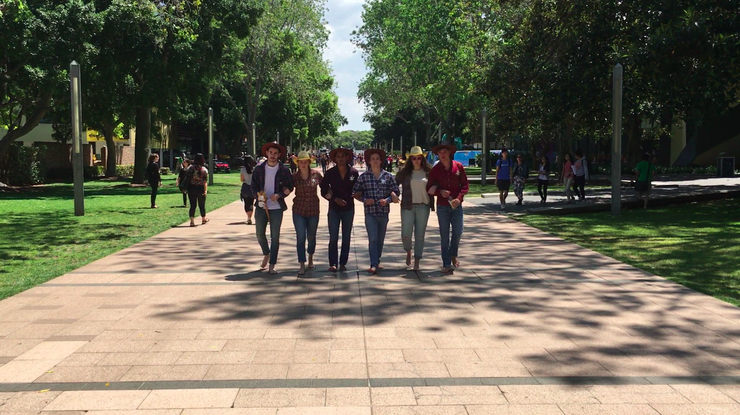 RAs 2017 walking down UNSW Main walk